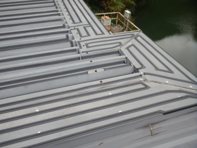 群馬 ダム管理施設 発電所取水口 建屋です。