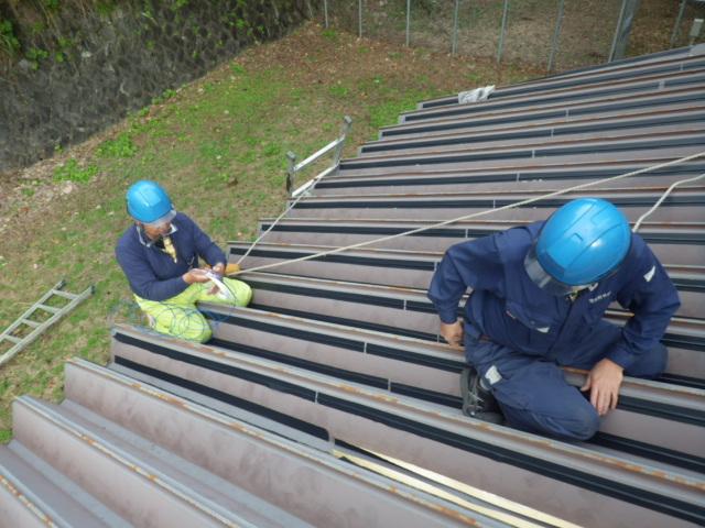 群馬 ダム管理施設 水槽 折板屋根 施工中